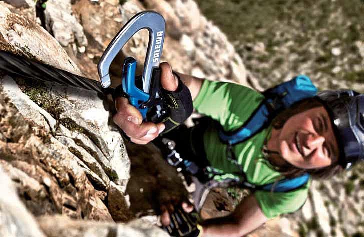Klettersteigset Komplett : Klettersteigset fast wie ein sicherheitsgurt im auto bergsteigen.com