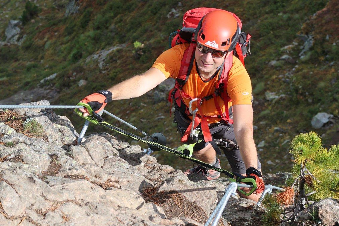 Klettergurt Für Klettersteig Test : Test cable comfort klettersteigset von edelrid bergsteigen