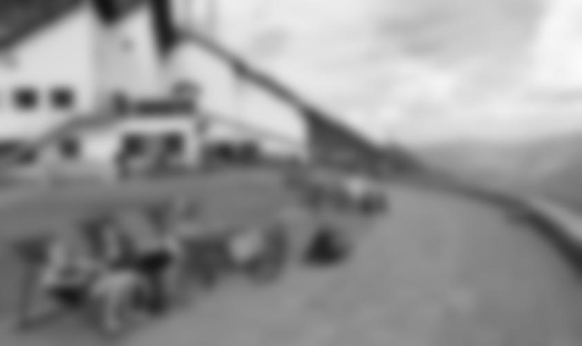 Die Liegestühle an der Seilbahnstation Seegrube.