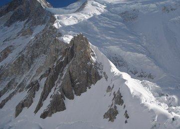 Beim Abstieg - hinten der Gasherbrum II (8035m)