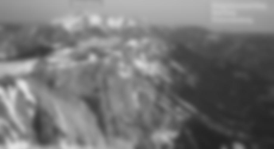 """Links der """"Königschusswand Steig"""" - Klettersteig, rechts der """"Haidsteig"""" Klettersteig und links der Preinerwandsteig (Abstiegsmöglichkeit)"""