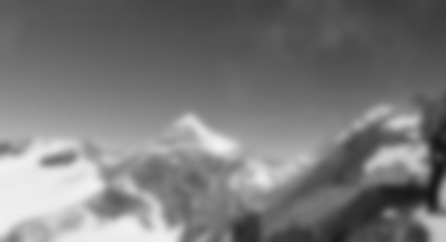 Auf dem Grat, hinten sieht man schon den Gipfel.