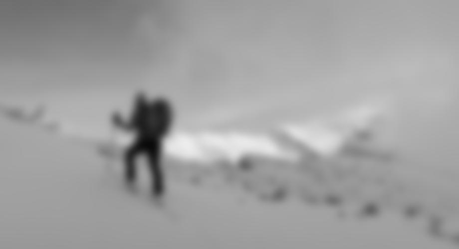 Kurz vor dem Gipfel, Blick in Richtung Hochiss.
