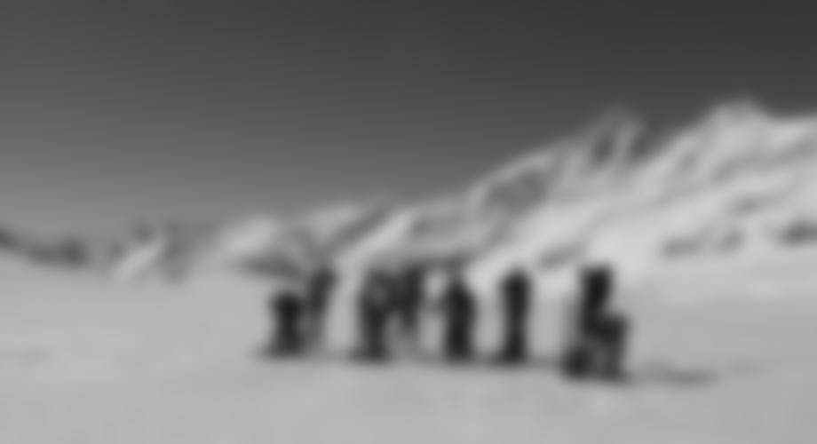 Auf dem Gletscher, im Hintergrund der Großglockner.