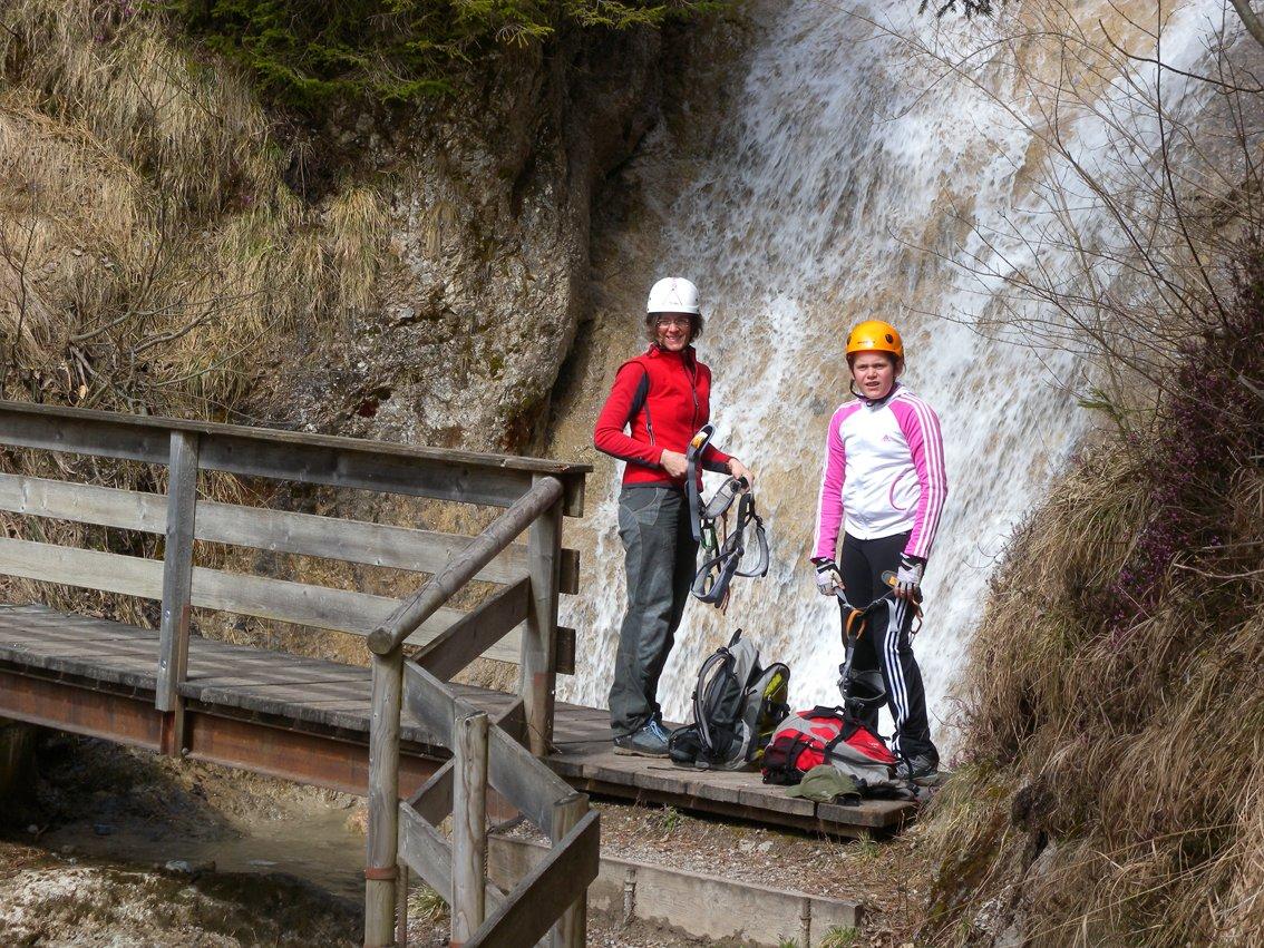 Klettersteig Reit Im Winkl : Hausbachfall klettersteig bergsteigen