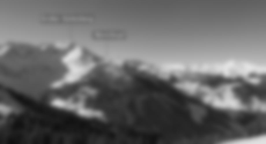 Übersicht - Der flache Gipfel des Mareitkopfes - in Blau die alternative Abfahrtsvariante.