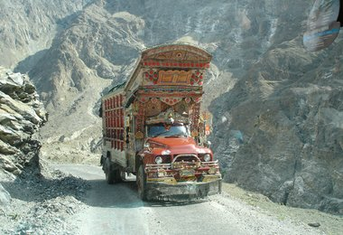 Auf dem Karakorum Highway
