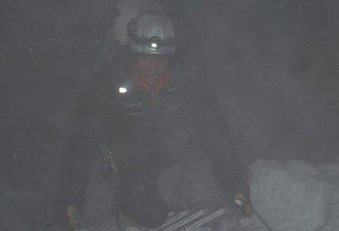 Nächtlicher Aufstieg durch den Eisbruch Bild: G.Kaltenbrunner