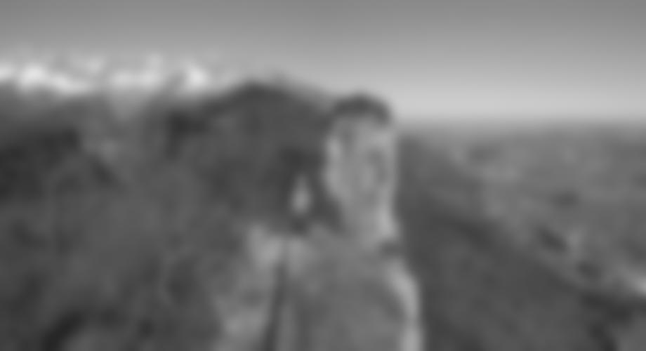 Beim Abstieg vom Gipfel, hinten der Große Barmstein.