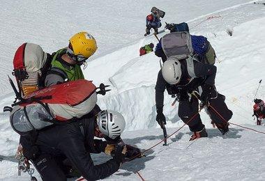 Filmen am Beginn der Lhotse-Flanke Bild: G.Kaltenbrunner