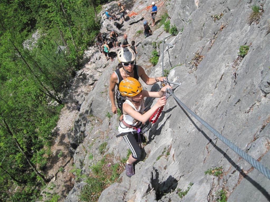 Klettersteig Zahme Gams : Beim fotografieren auf klettersteig stürzt traunreuter in den tod