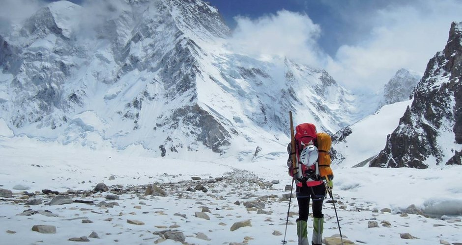 pendaki gunung wanita
