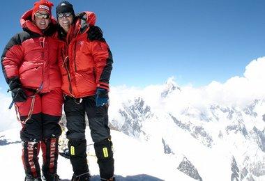 Elisabeth und Alix am Gipfel des G II