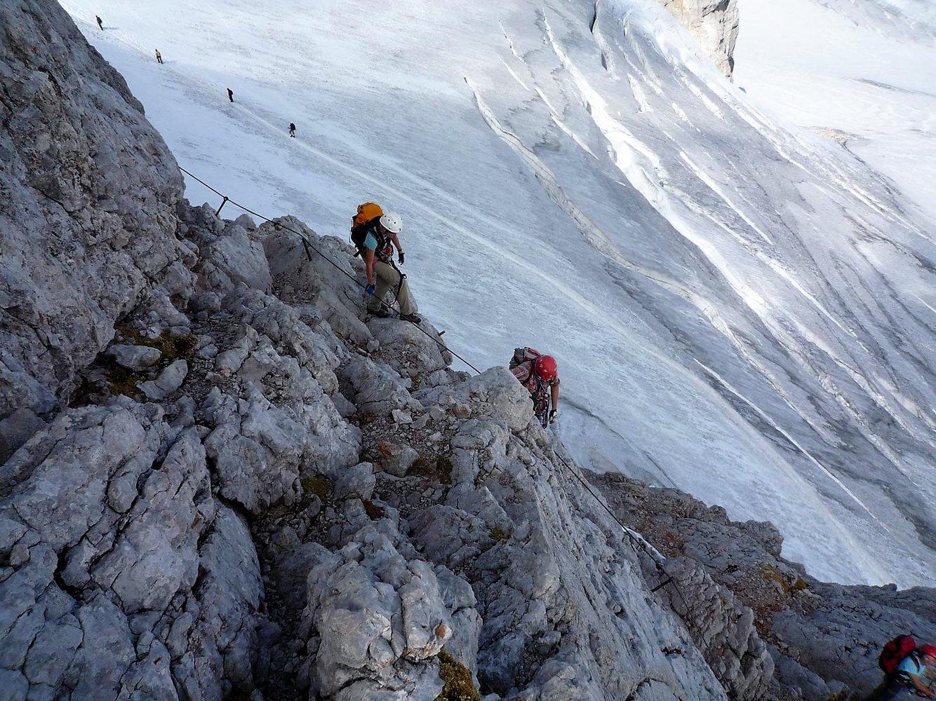 Klettersteig Dachstein : Skurriler grenzbau dachstein klettersteig droht der abriss