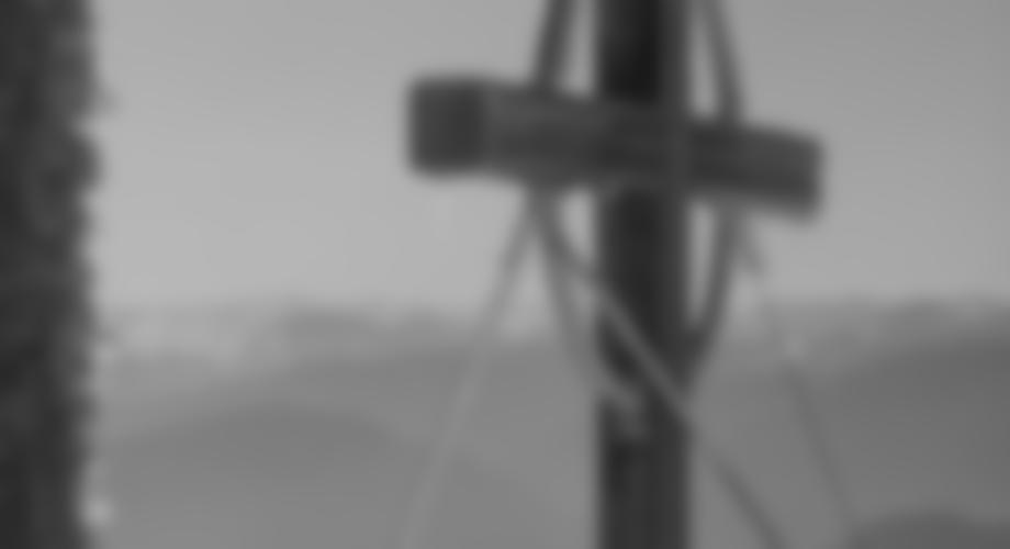 Das Tiroler Kreuz am Kranzhorn, leicht eingeeist