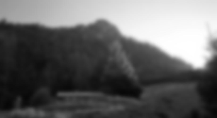 Da der Klettersteig nur sehr kurz ist, bietet sich im Anschluss noch eine Besteigung des Sparbers (im Bild) an. Etwa 800 Hm / ca. 3h für Auf- und Abstieg.