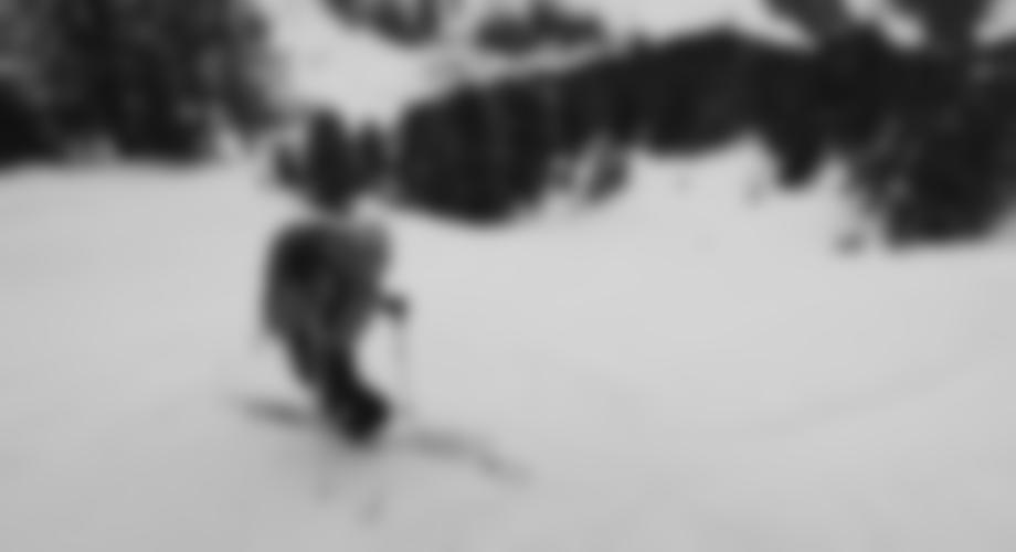 Oben kurz steiler, dann perfekte Skihänge.