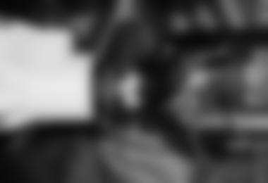 NICHT korrekt montierte Kartusche im Mechanismus des Airbag Inflation-System – schwarze Gummidichtung ist sichtbar