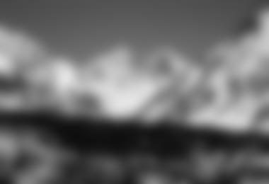 Im Frühjahr 2004 waren die Bhagirathi Gipfel noch stark verschneit