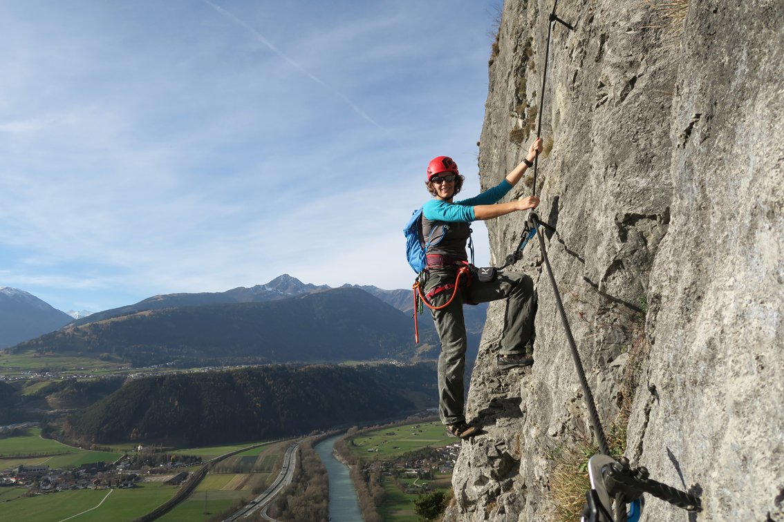Klettersteigset Richtig Einbinden : Test ergo zip klettersteigset von salewa bergsteigen