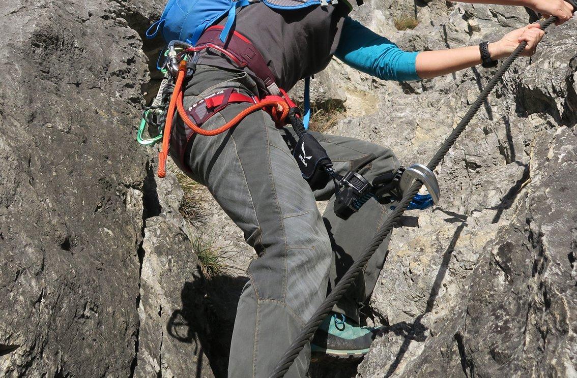 Klettersteigset Welches : Test ergo zip klettersteigset von salewa bergsteigen.com