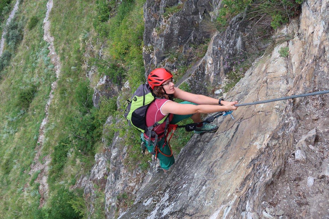 Klettersteig Quarzit : Klettersteig quarzit wand burg laudeck bergsteigen