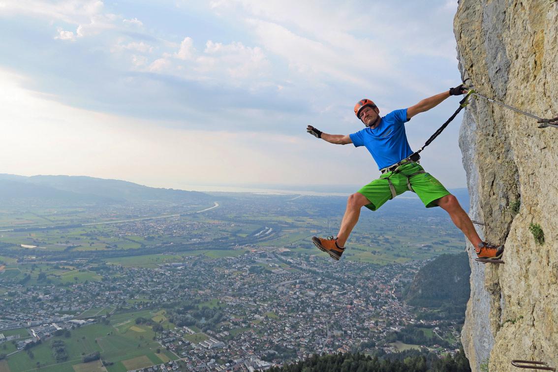 Klettersteig Via Kapf : Via kapf klettersteig bergsteigen