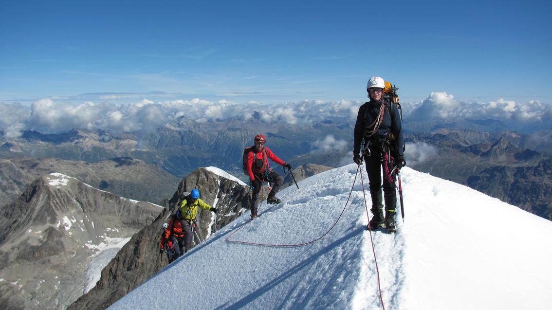 Pdf Magazine Download >> Biancograt - Piz Bernina | Bergsteigen.com