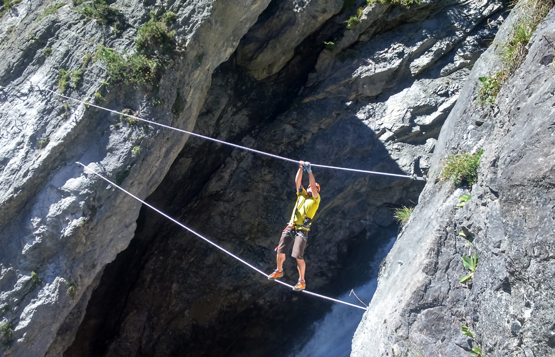 Klettersteig Bilder : Erlebnis klettersteig holzgau simmswasserfall bergsteigen