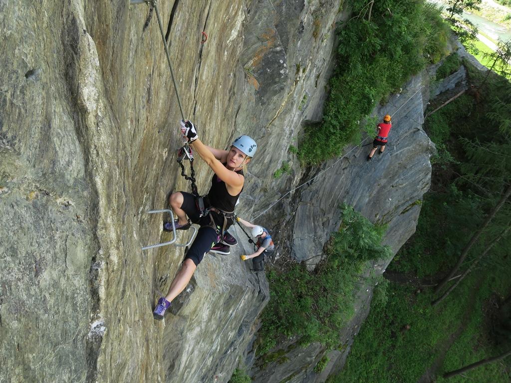 Klettersteig Burg : Klettersteig burg heinfels bergsteigen