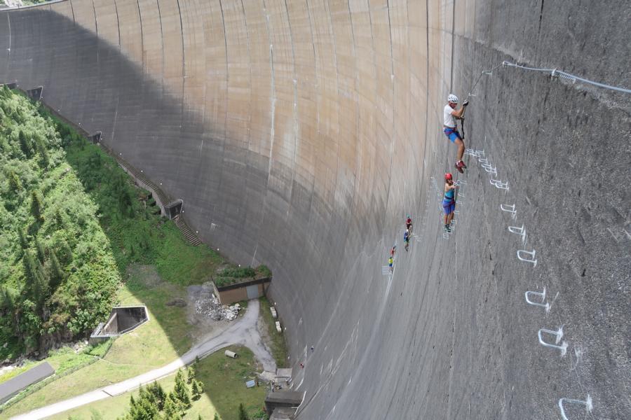 Klettersteig Zillertal : Schlegeis klettersteig bergsteigen
