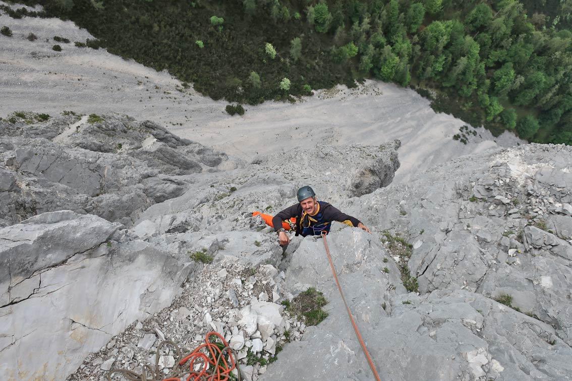 Kletterausrüstung Vorarlberg : Schluchtenpfeiler halltal bergsteigen.com